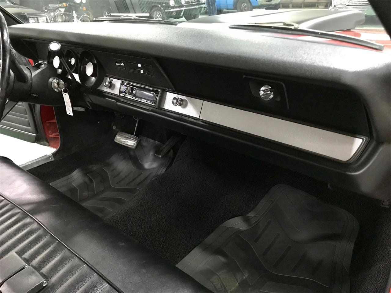 Large Picture of '70 Duster - Q4FJ