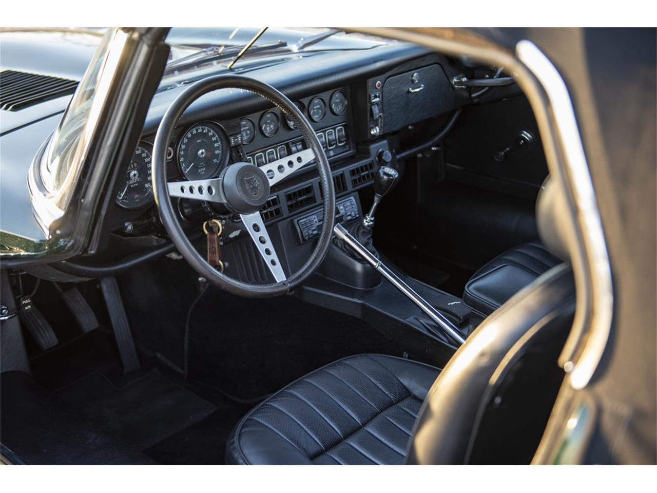 Large Picture of '74 E-Type - Q4GA