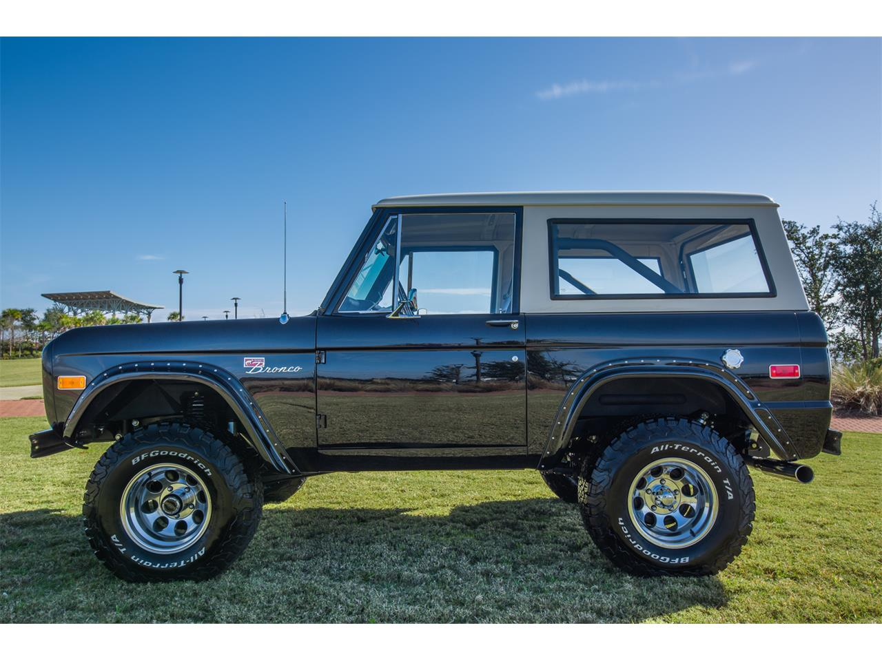 Large Picture of '76 Bronco - Q4JR