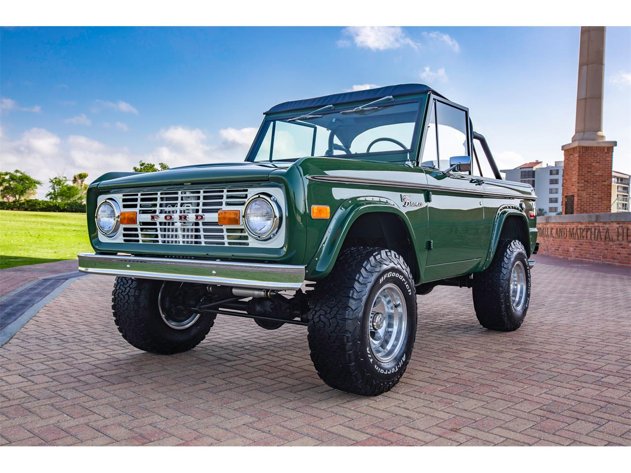 Large Picture of Classic '71 Ford Bronco located in Florida - Q4JS
