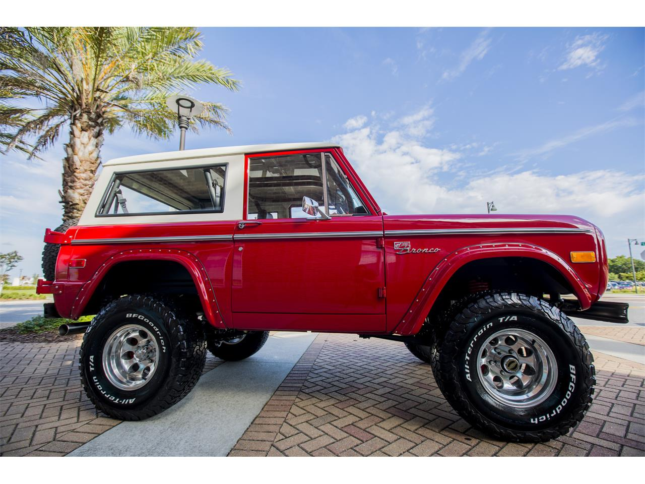Large Picture of Classic 1972 Bronco located in Florida - Q4JV