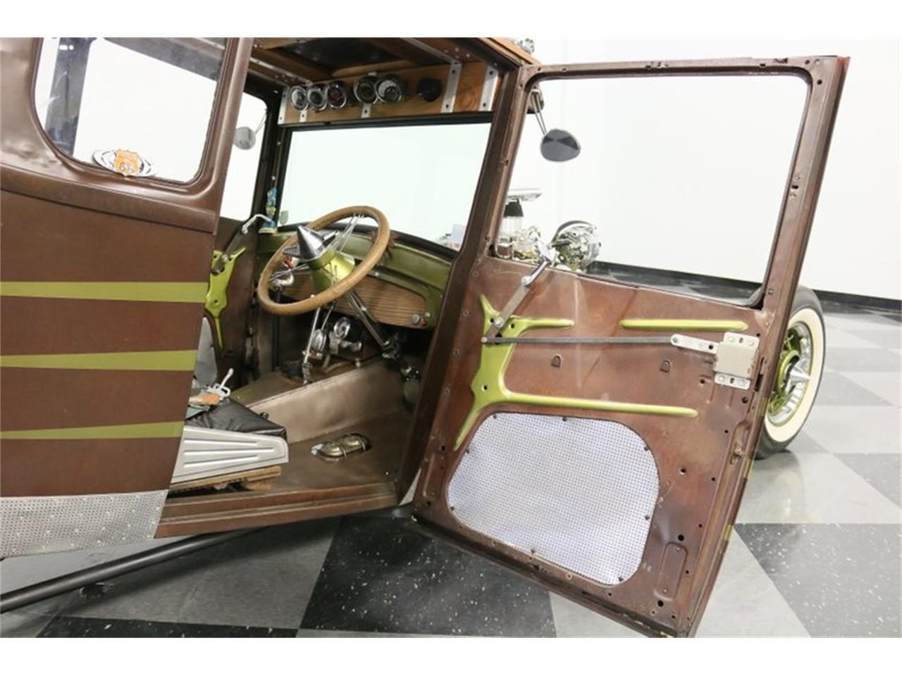 Large Picture of Classic '27 Ford Coupe - $31,995.00 - Q4LA