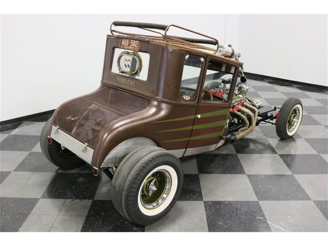 Large Picture of Classic 1927 Ford Coupe - $31,995.00 - Q4LA