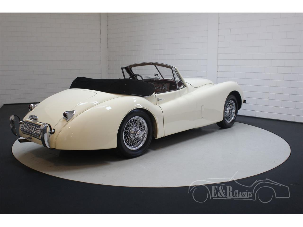 Large Picture of '54 XK120 - Q4M0