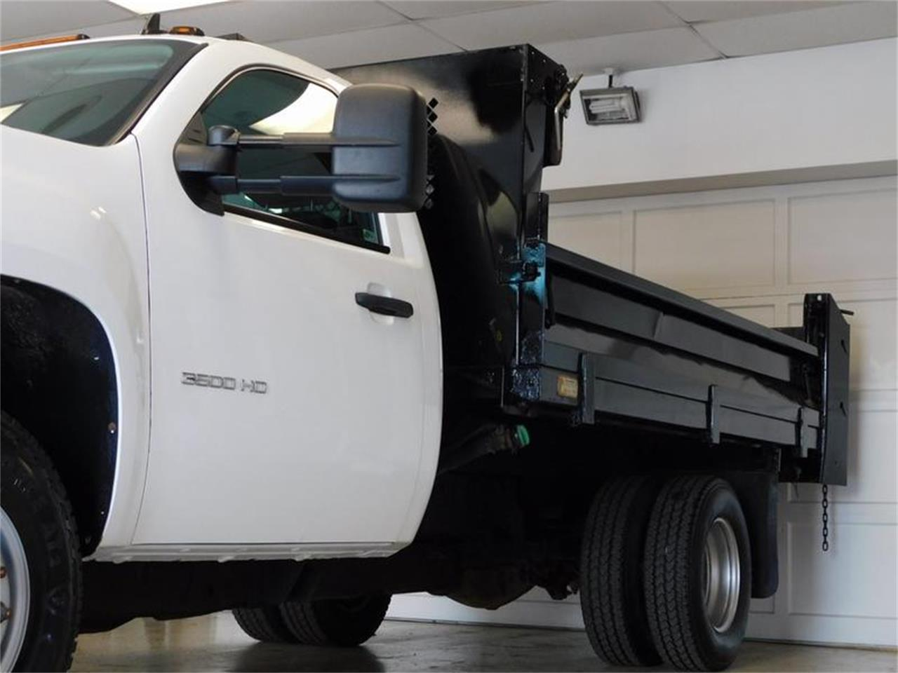 Large Picture of '12 Dump Truck - $32,875.00 - Q4MY