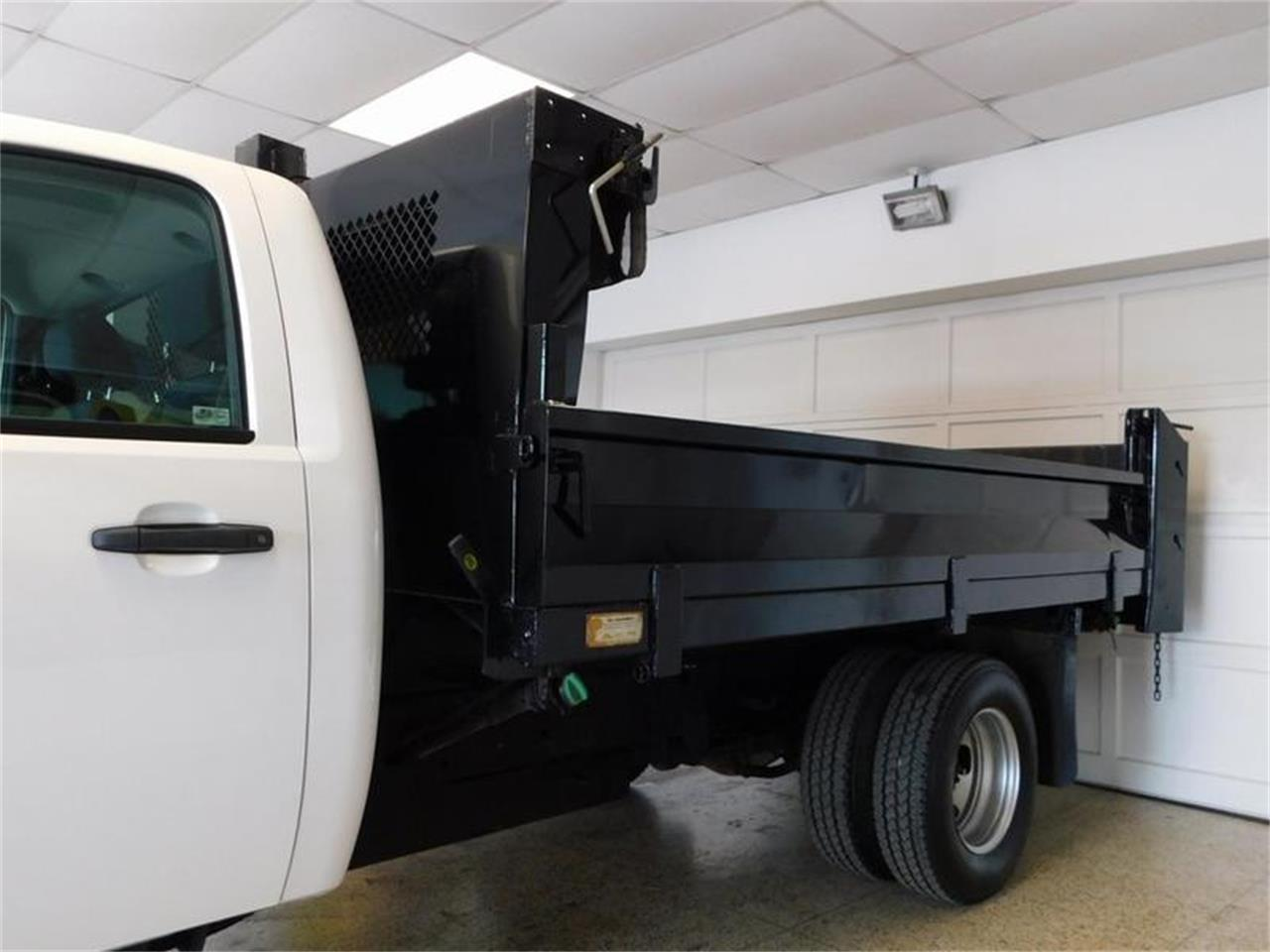 Large Picture of '12 GMC Dump Truck - $32,875.00 Offered by Superior Auto Sales - Q4MY