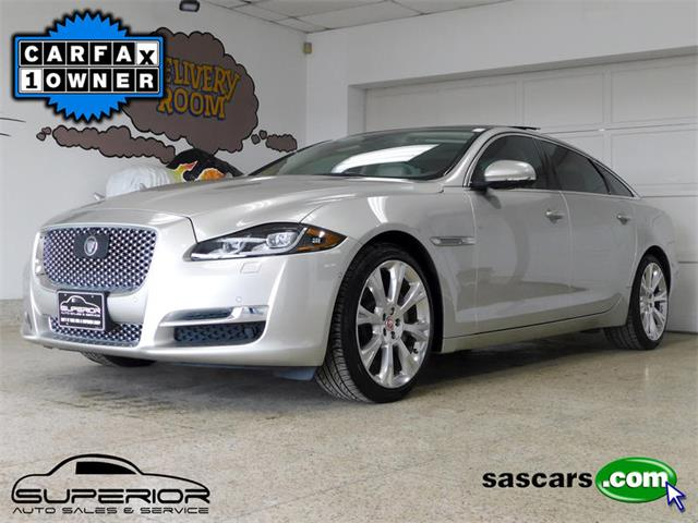 Picture of '16 Jaguar XJL located in New York - Q4N4