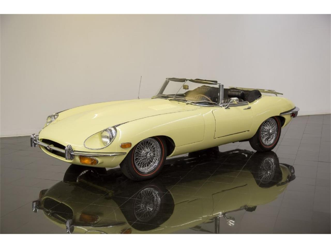 Large Picture of Classic '69 E-Type located in St. Louis Missouri - Q4Q1