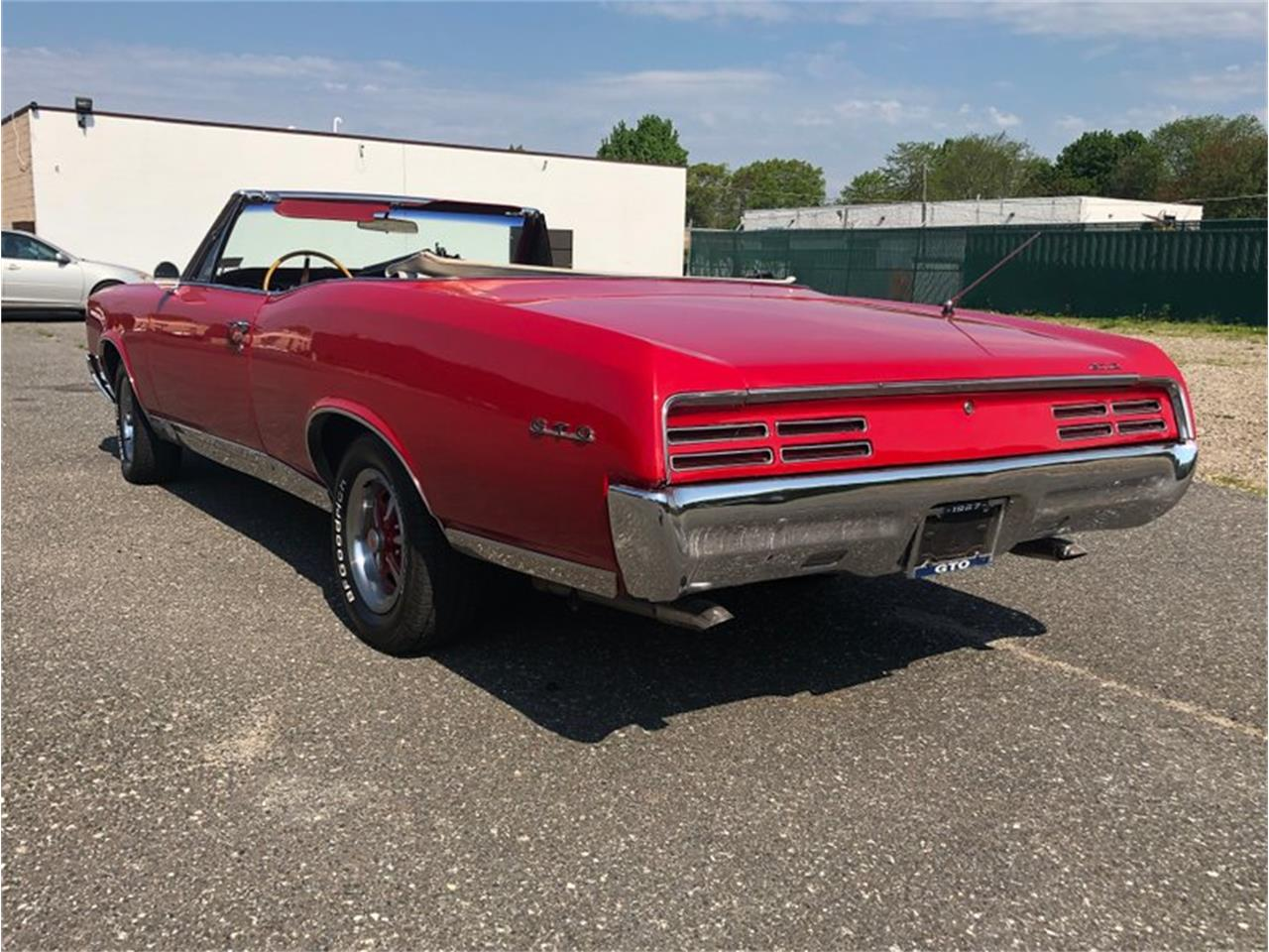 Large Picture of Classic 1967 GTO - Q4SB