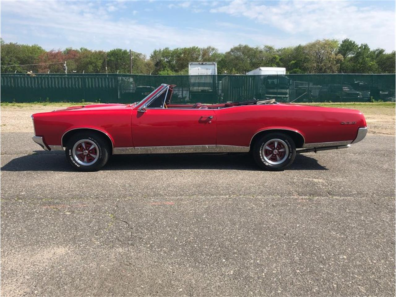 Large Picture of Classic 1967 Pontiac GTO Offered by Hollywood Motors - Q4SB