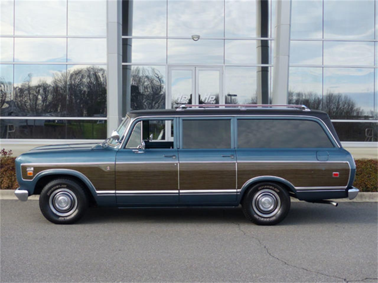 Large Picture of Classic '73 International Travelall located in Charlotte North Carolina - Q4TC