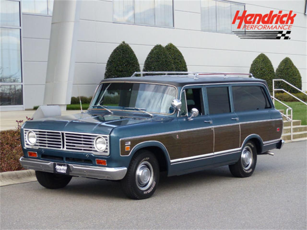 Large Picture of 1973 International Travelall - Q4TC