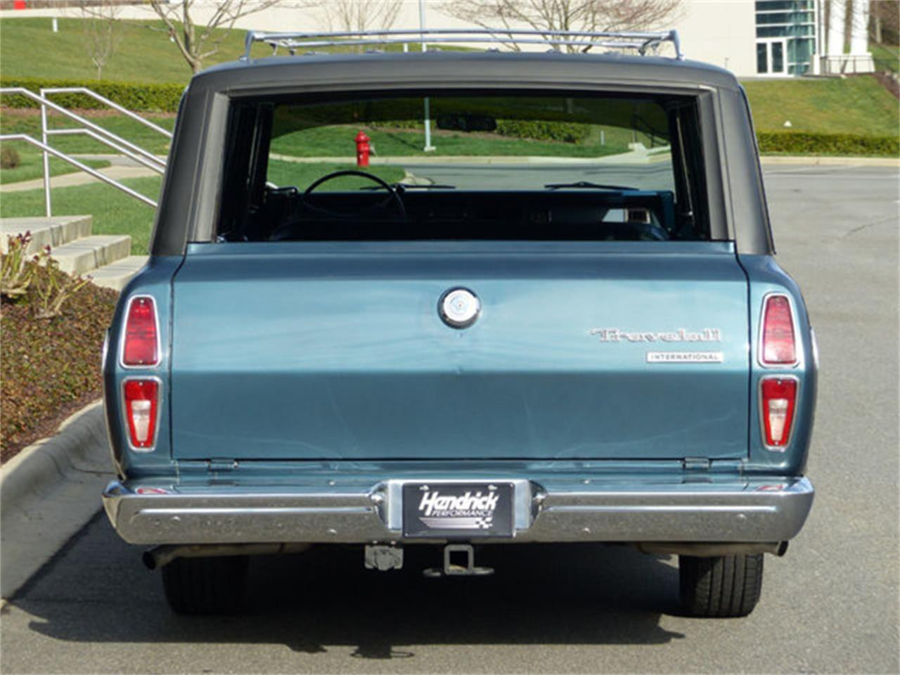 Large Picture of Classic 1973 Travelall located in Charlotte North Carolina - Q4TC