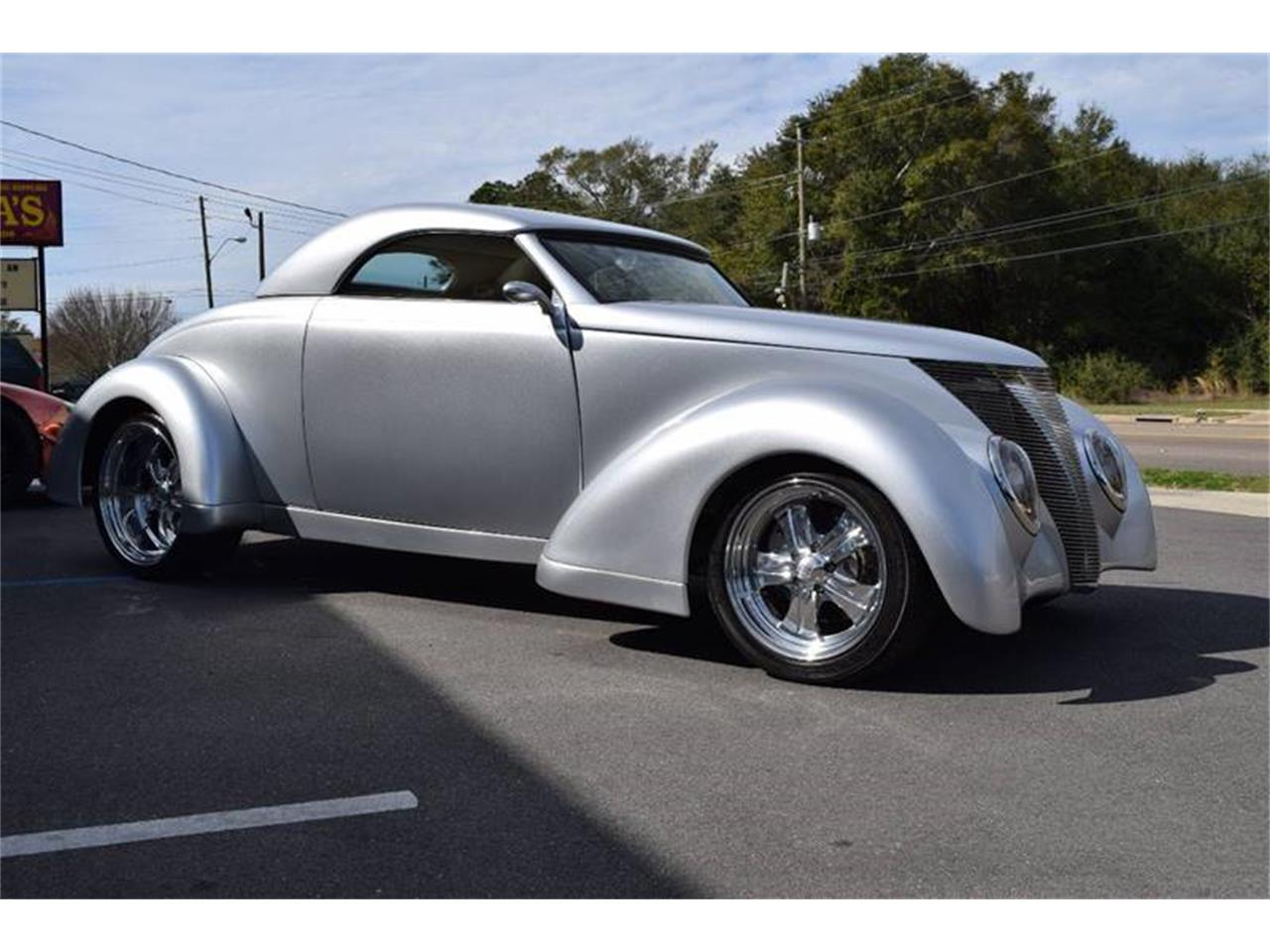 Large Picture of Classic 1937 Ford Custom Coupe - $74,900.00 - Q4U2