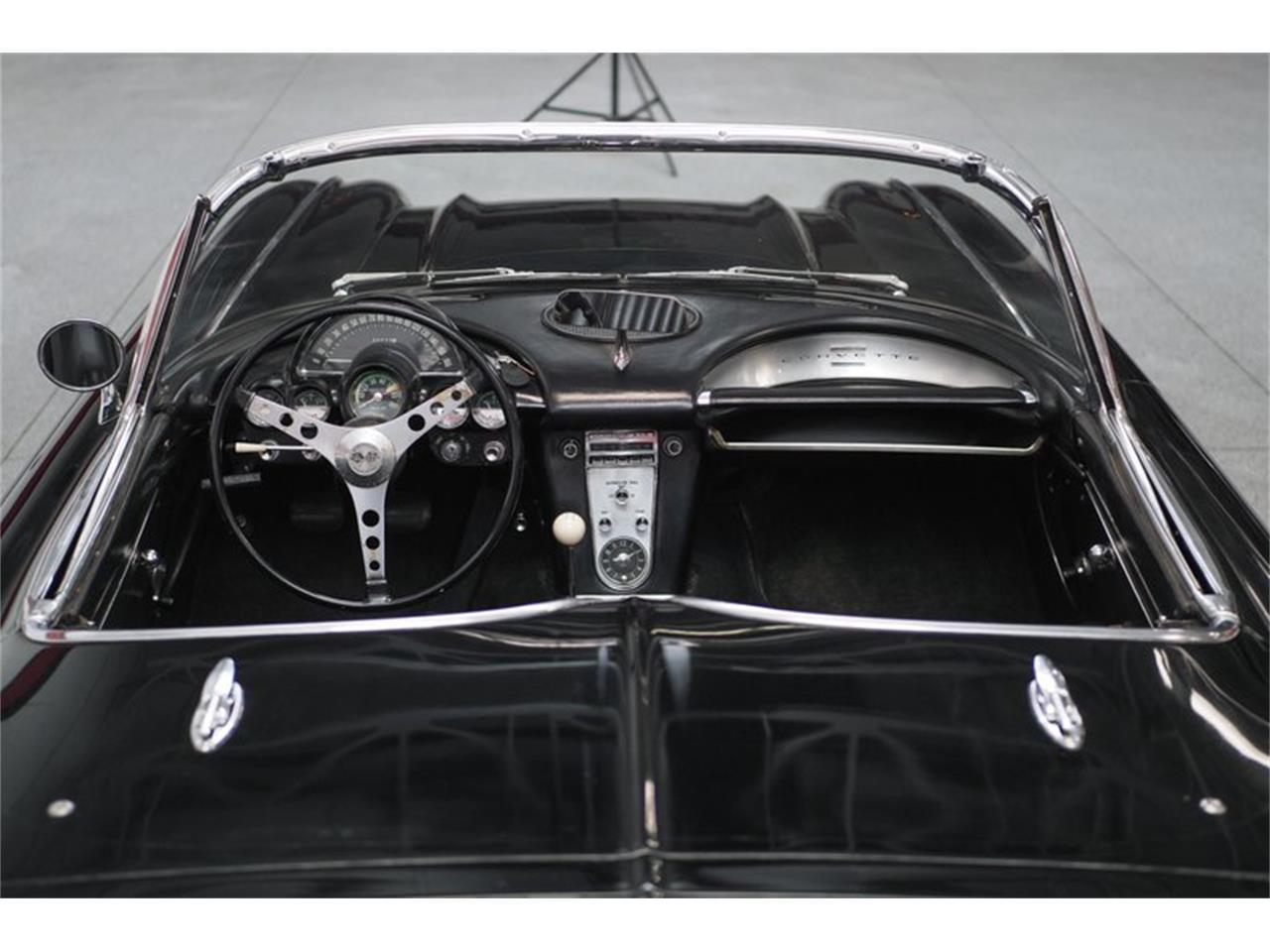 Large Picture of Classic 1962 Corvette - Q4UX