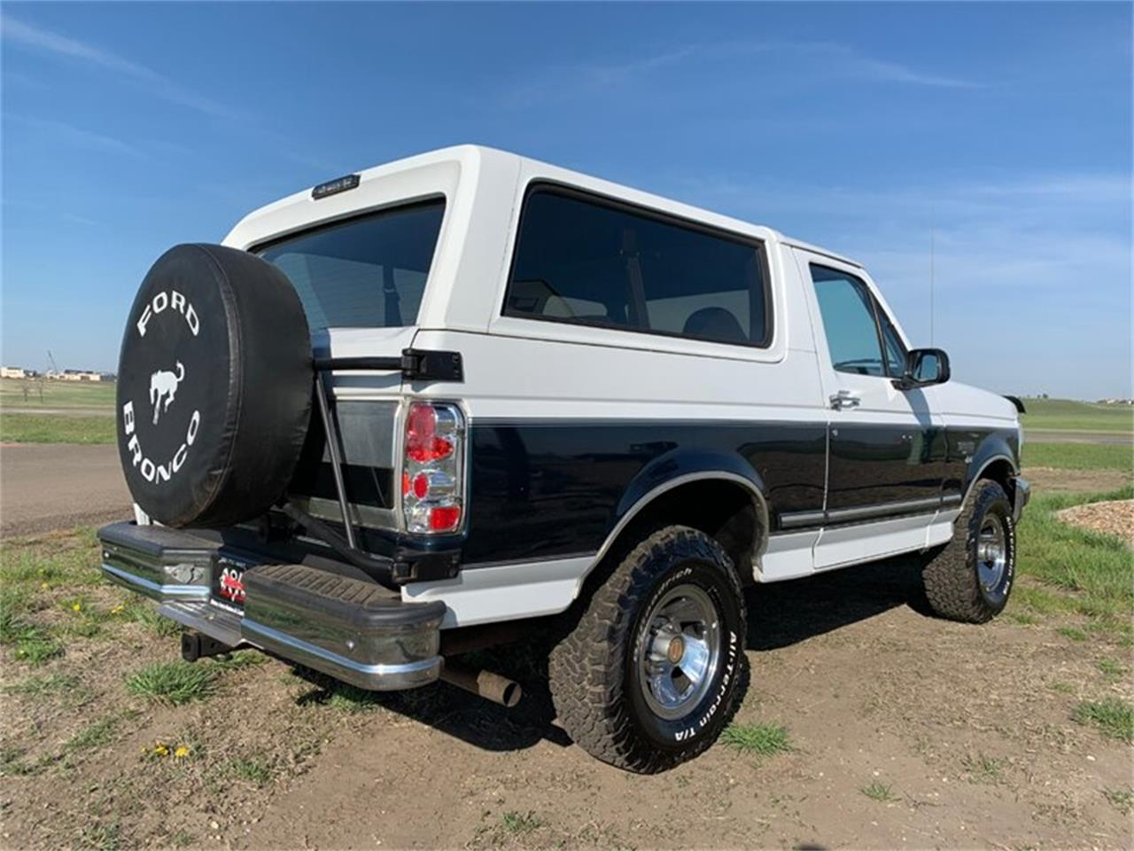 Large Picture of '94 Ford Bronco located in North Dakota Offered by Rides Auto Sales - Q4UY