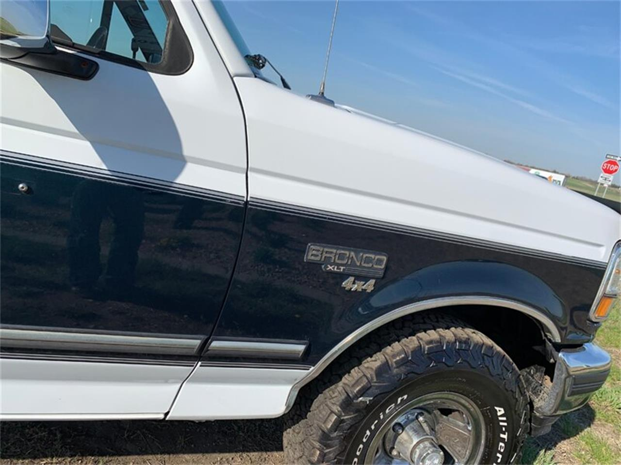 Large Picture of 1994 Ford Bronco - Q4UY