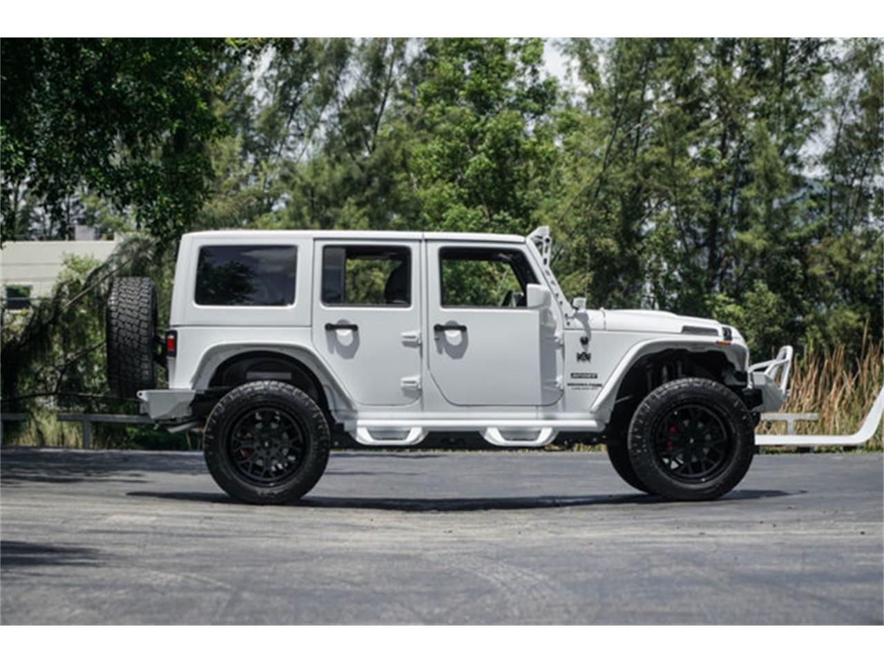 Large Picture of '18 Jeep Wrangler located in Florida Offered by The Garage - Q4VB