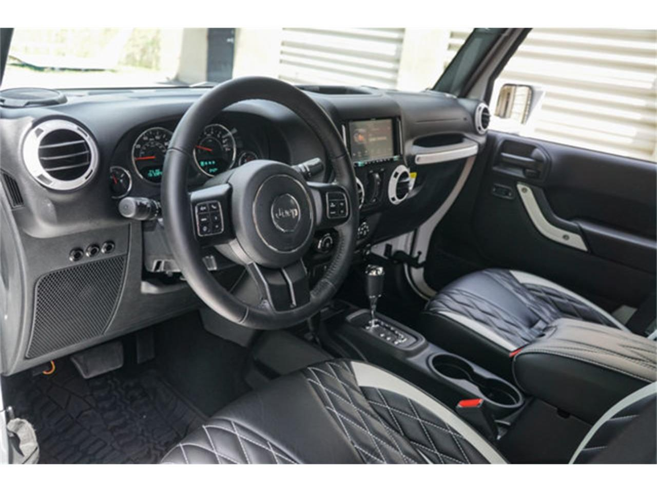 Large Picture of '18 Jeep Wrangler located in Florida - $51,900.00 - Q4VB