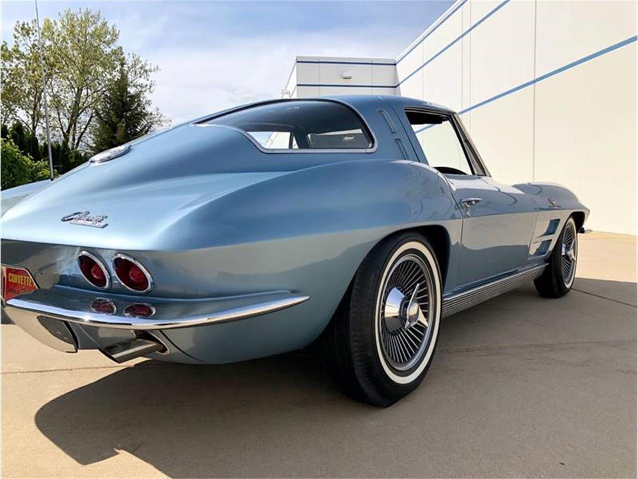 Large Picture of '63 Corvette - Q4W0