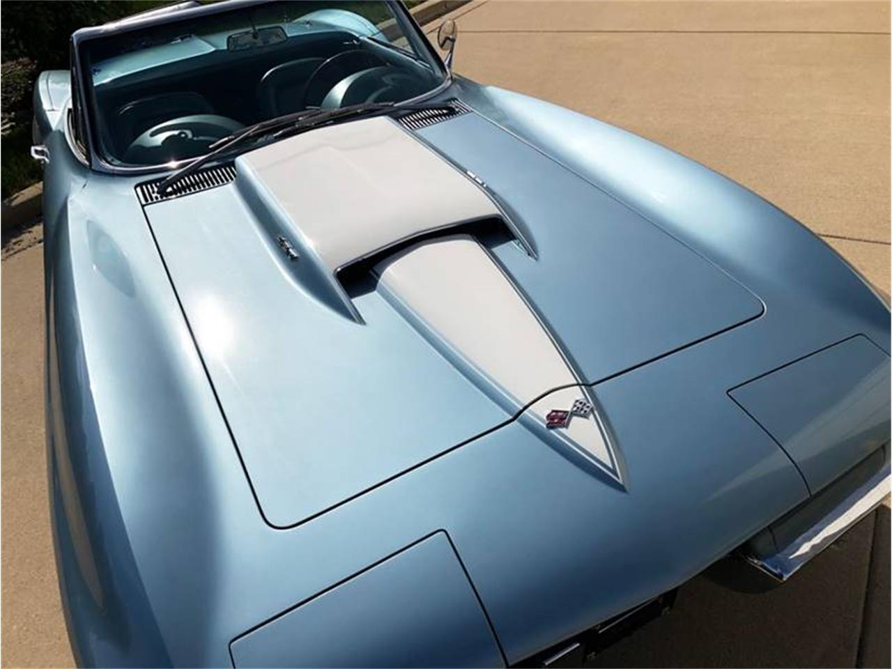 Large Picture of '67 Corvette - Q4W3