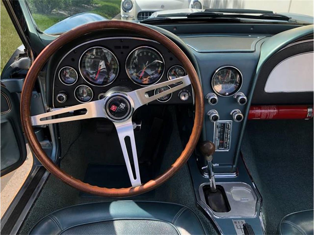 Large Picture of '67 Corvette - Q4W3