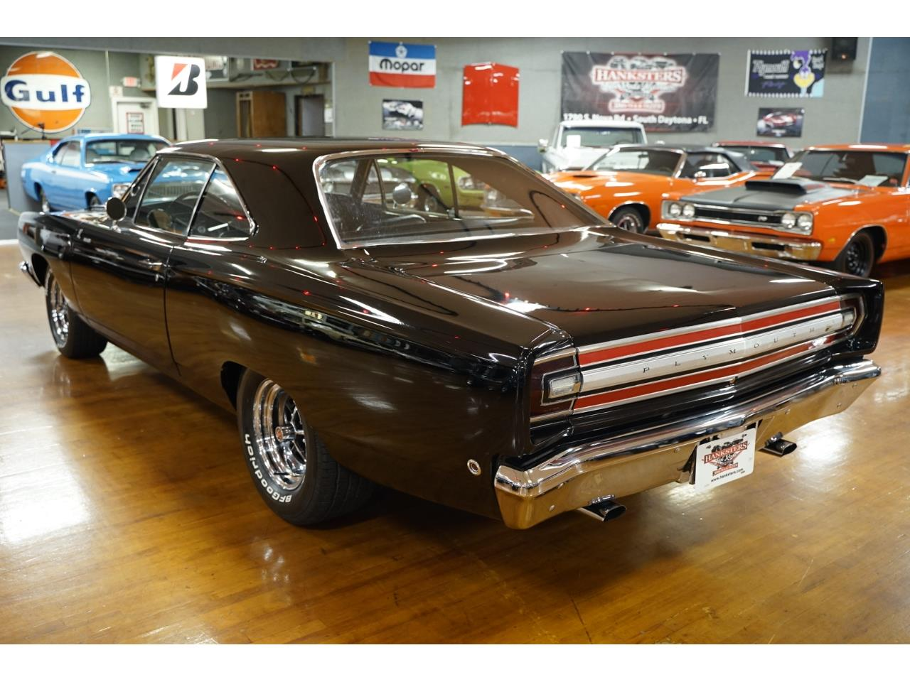 Large Picture of '68 Road Runner - PYDF