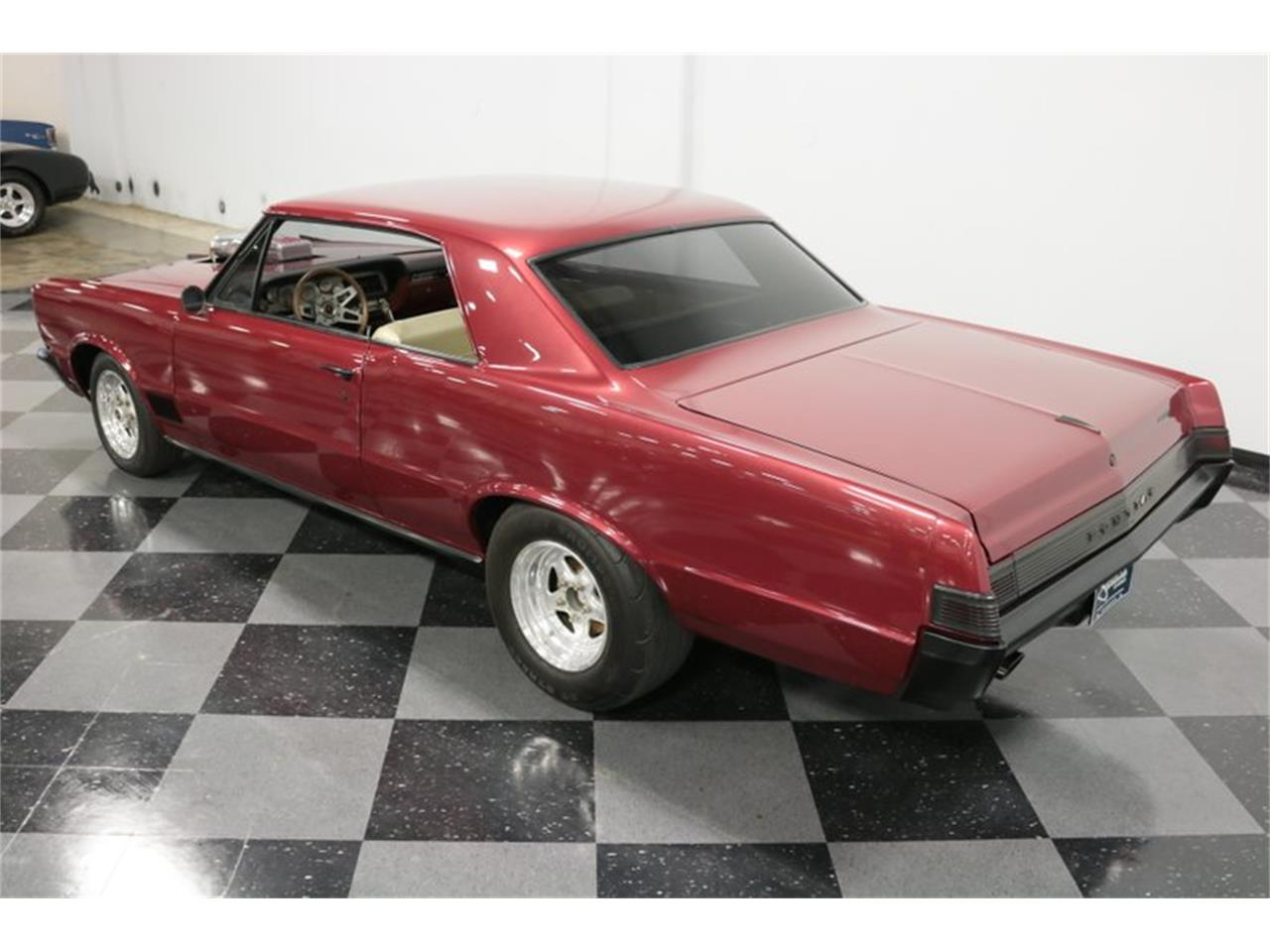 Large Picture of Classic '65 Pontiac LeMans located in Ft Worth Texas - Q507