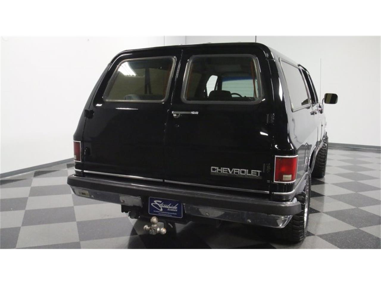Large Picture of '90 Suburban - Q50A