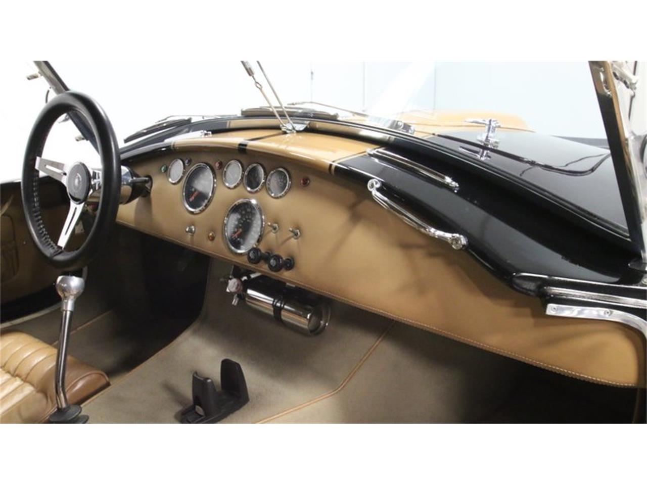 Large Picture of '65 Cobra - Q50C