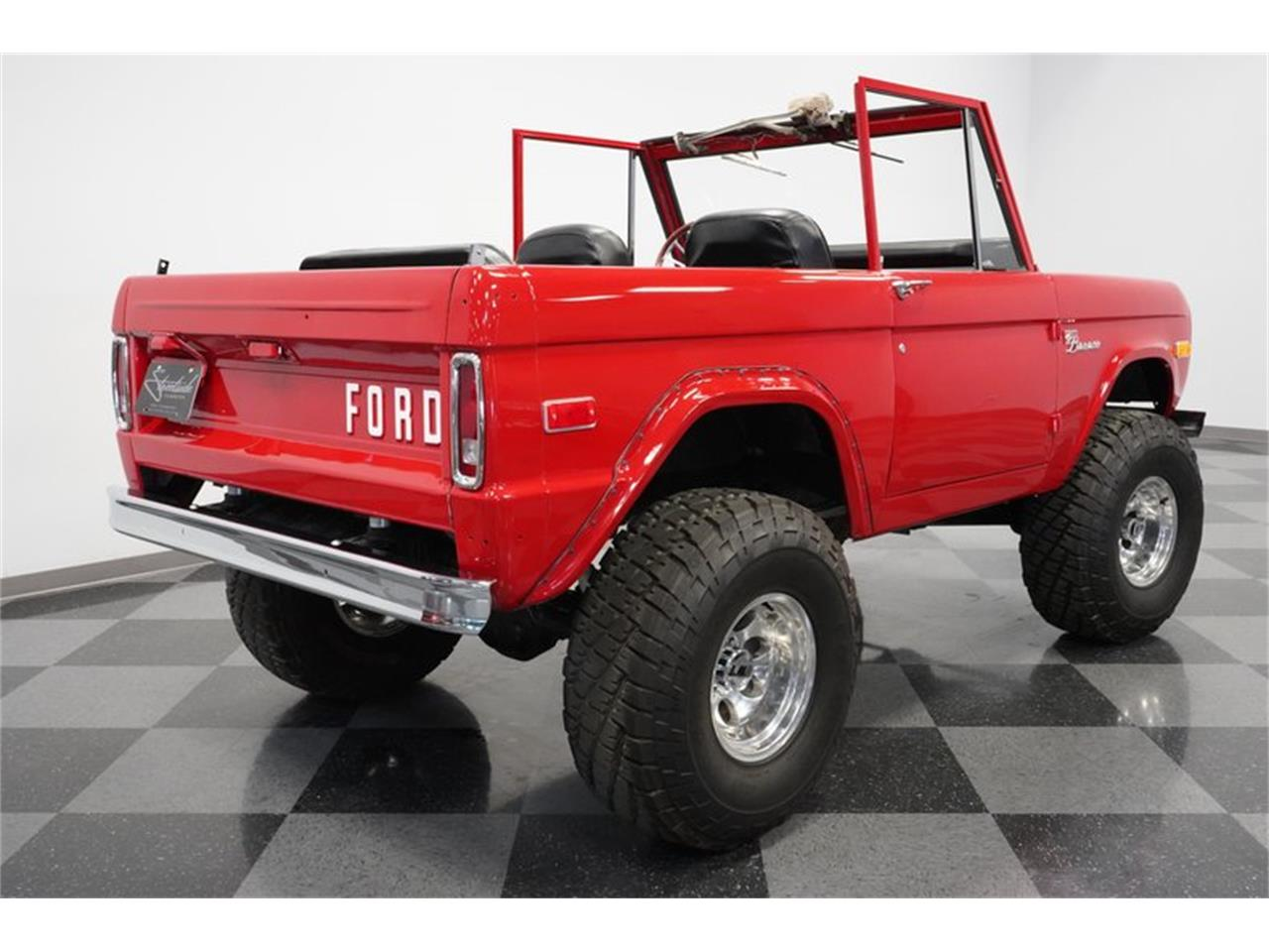 Large Picture of '75 Ford Bronco located in Arizona Offered by Streetside Classics - Phoenix - Q516