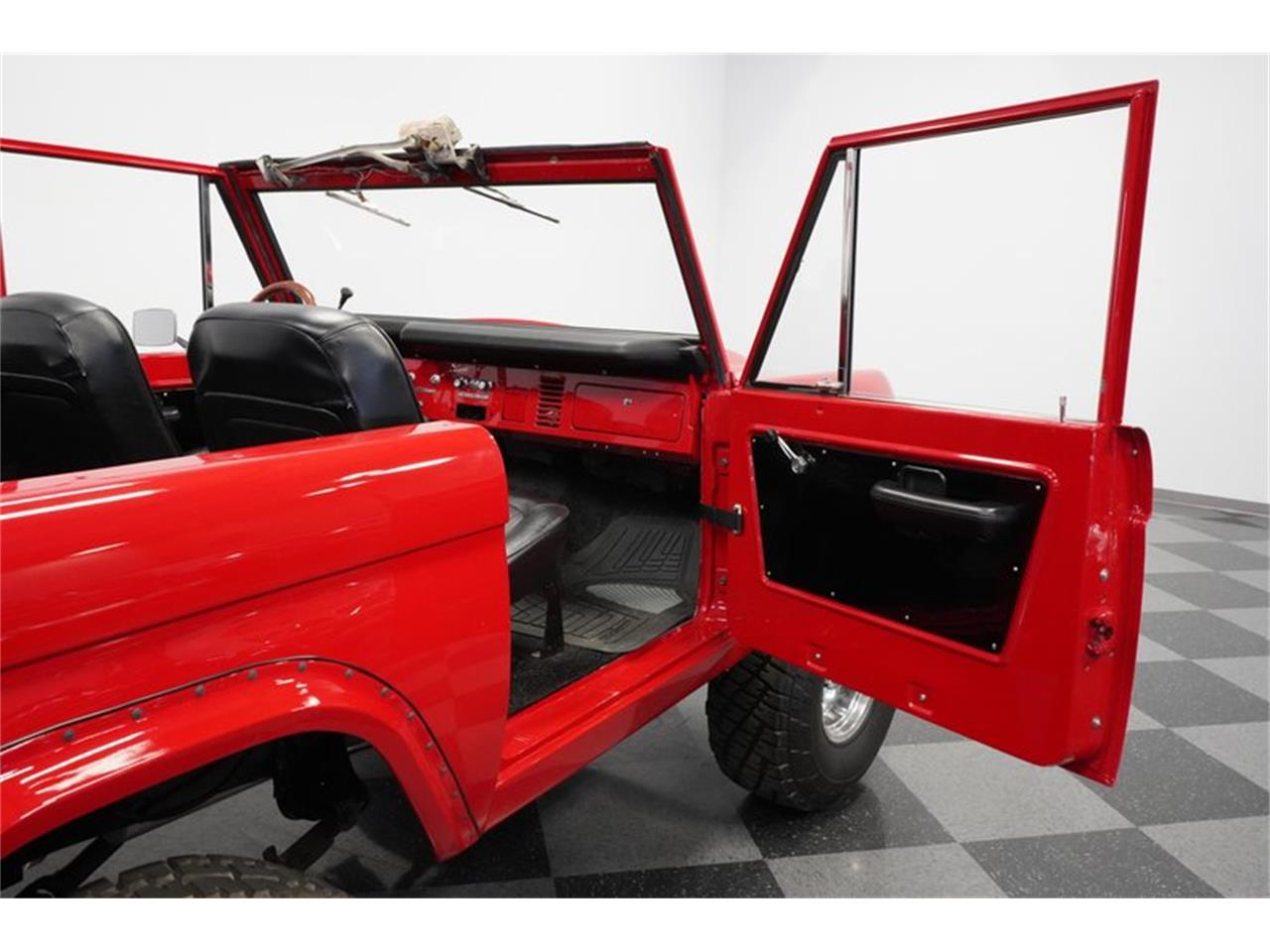 Large Picture of 1975 Bronco located in Arizona Offered by Streetside Classics - Phoenix - Q516