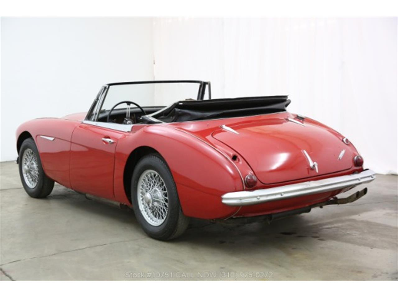 Large Picture of 1965 Austin-Healey BJ8 - Q527