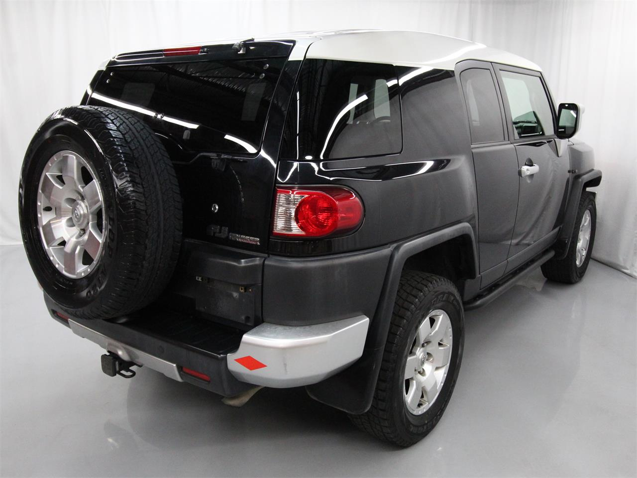 Large Picture of '07 Toyota FJ Cruiser Offered by Duncan Imports & Classic Cars - Q53G