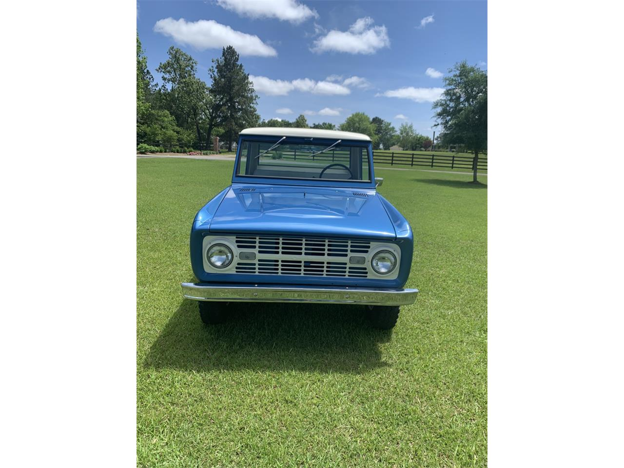 Large Picture of '68 Ford Bronco Auction Vehicle - Q561