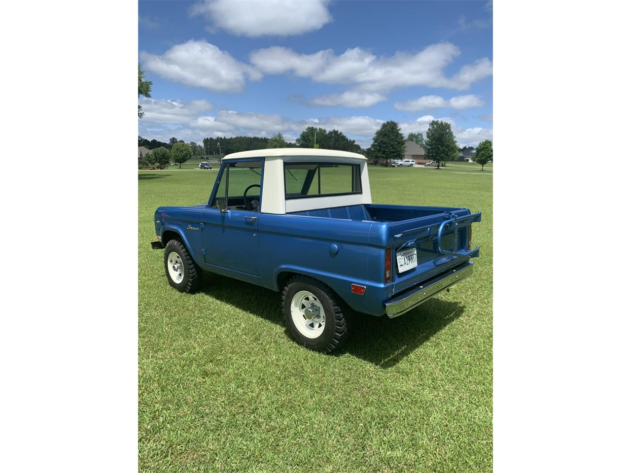 Large Picture of Classic '68 Ford Bronco located in Ellisville Mississippi Offered by Bring A Trailer - Q561