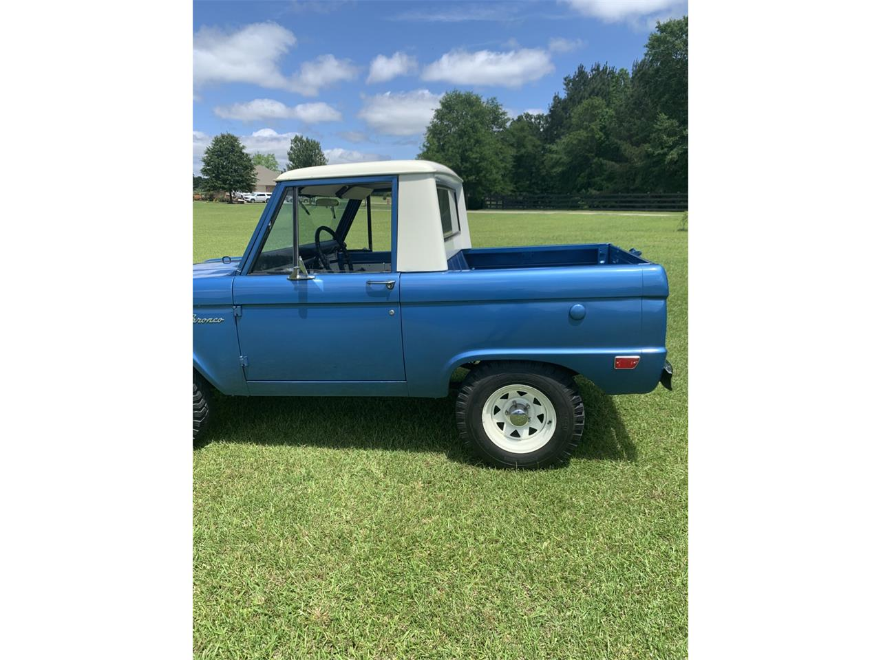 Large Picture of Classic 1968 Ford Bronco Auction Vehicle - Q561