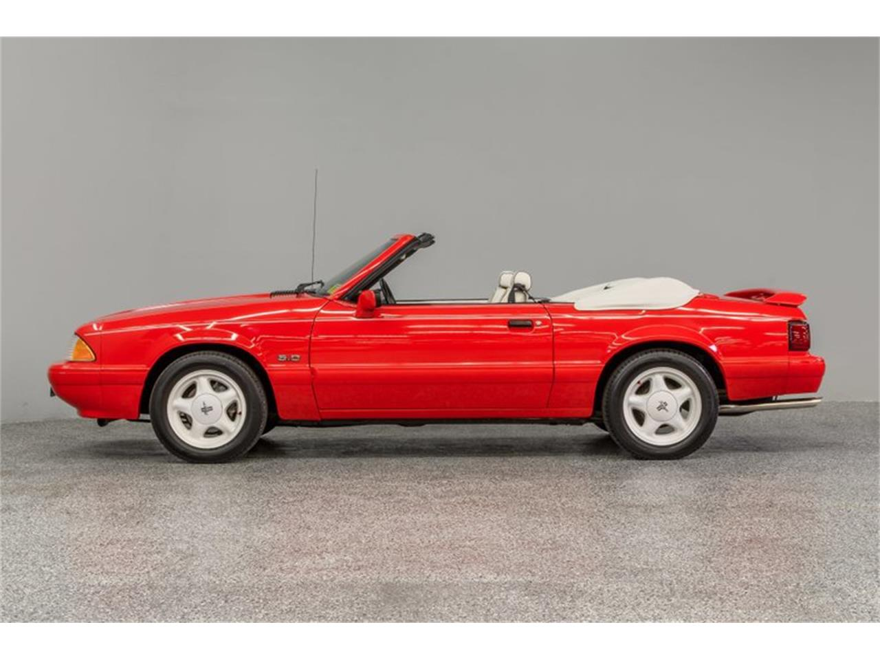 Large Picture of 1992 Mustang Offered by Autobarn Classic Cars - Q56V