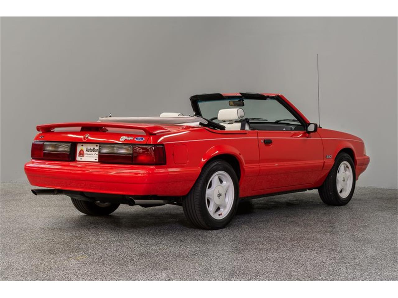 Large Picture of 1992 Mustang located in Concord North Carolina Offered by Autobarn Classic Cars - Q56V