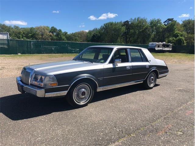 Picture of '87 Lincoln Continental located in New York - $6,900.00 - Q576