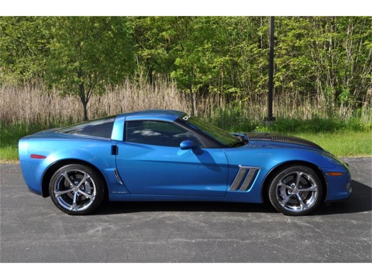Large Picture of '11 Chevrolet Corvette located in New York - $49,999.00 Offered by Prestige Motor Car Co. - Q58H