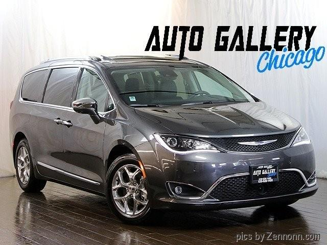 Picture of 2018 Chrysler Pacifica located in Illinois Offered by  - Q58K