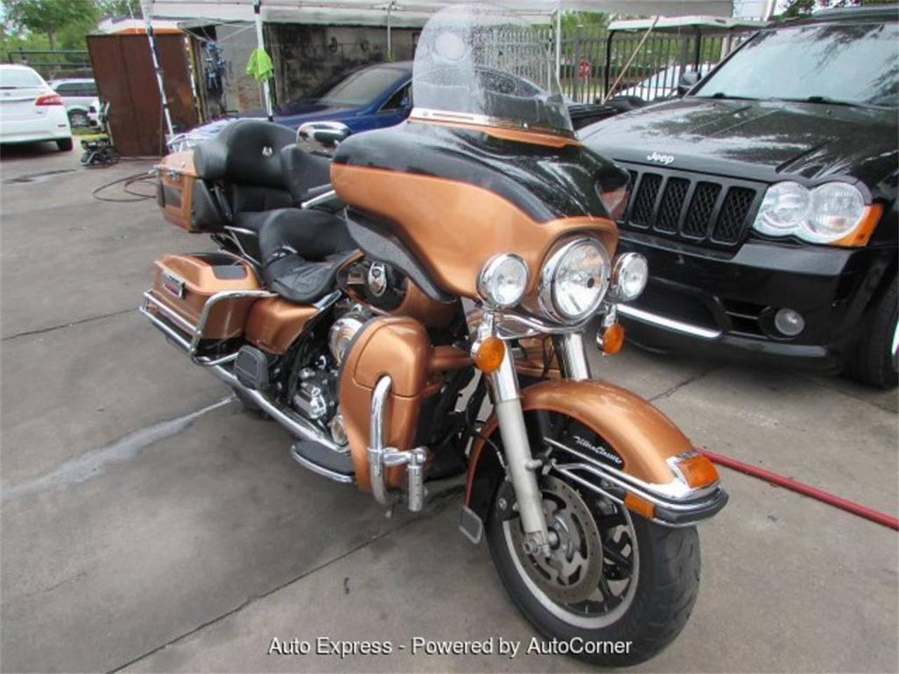 Large Picture of '08 Electra Glide Auction Vehicle Offered by Auto Express - Q598