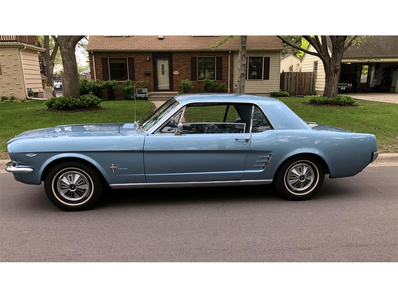 Large Picture of Classic '66 Ford Mustang - Q5C2