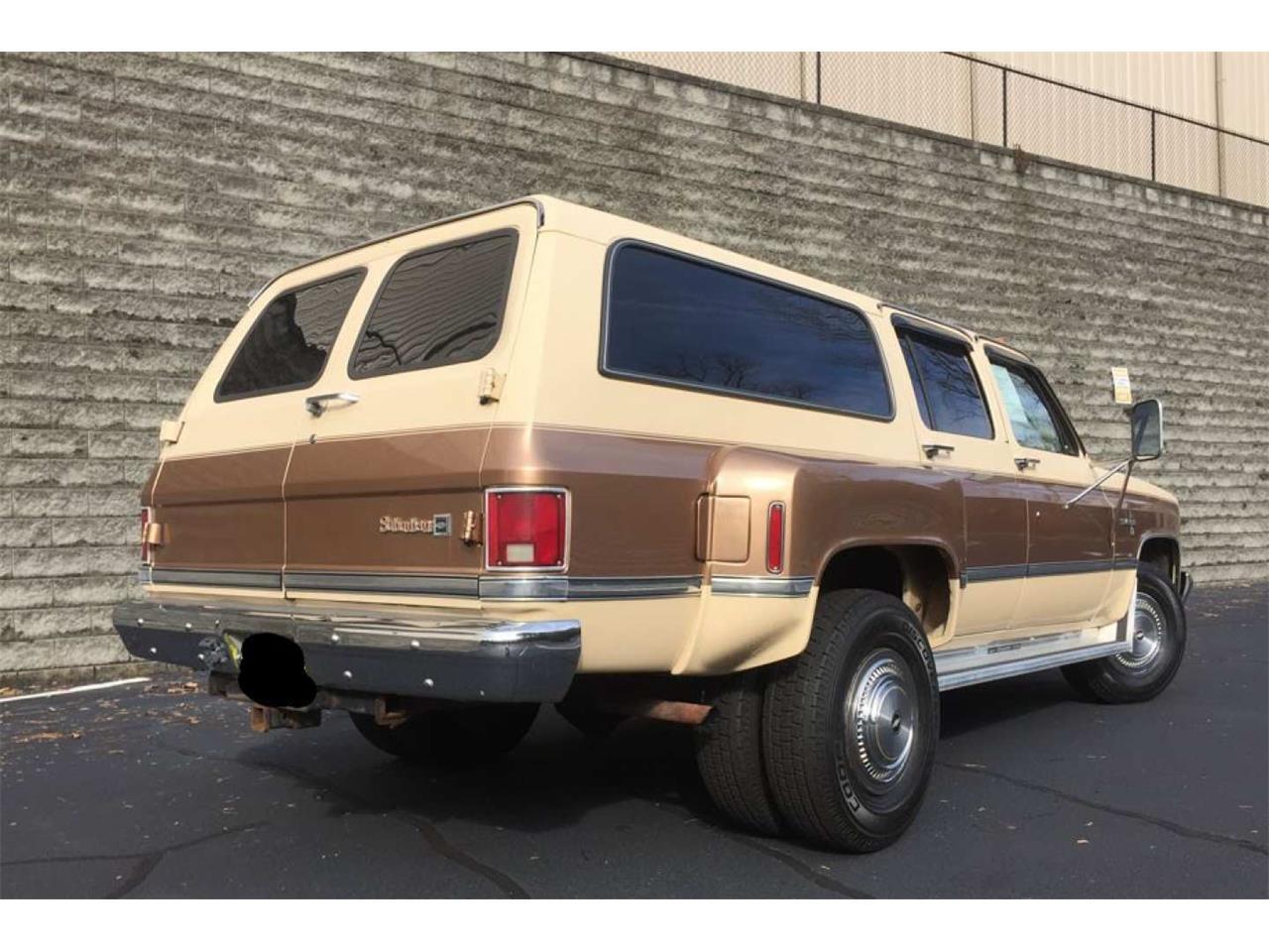 Large Picture of '86 Suburban - Q65T
