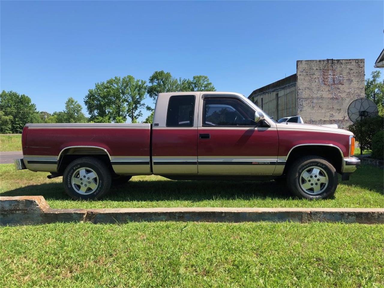 Large Picture of 1992 GMC Sierra located in Mississippi - $9,250.00 - Q65U