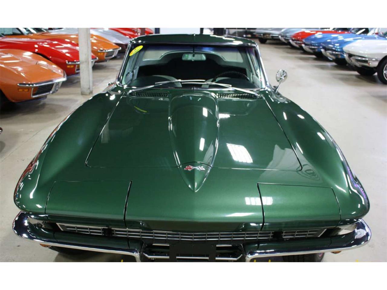 Large Picture of '67 Corvette - Q665