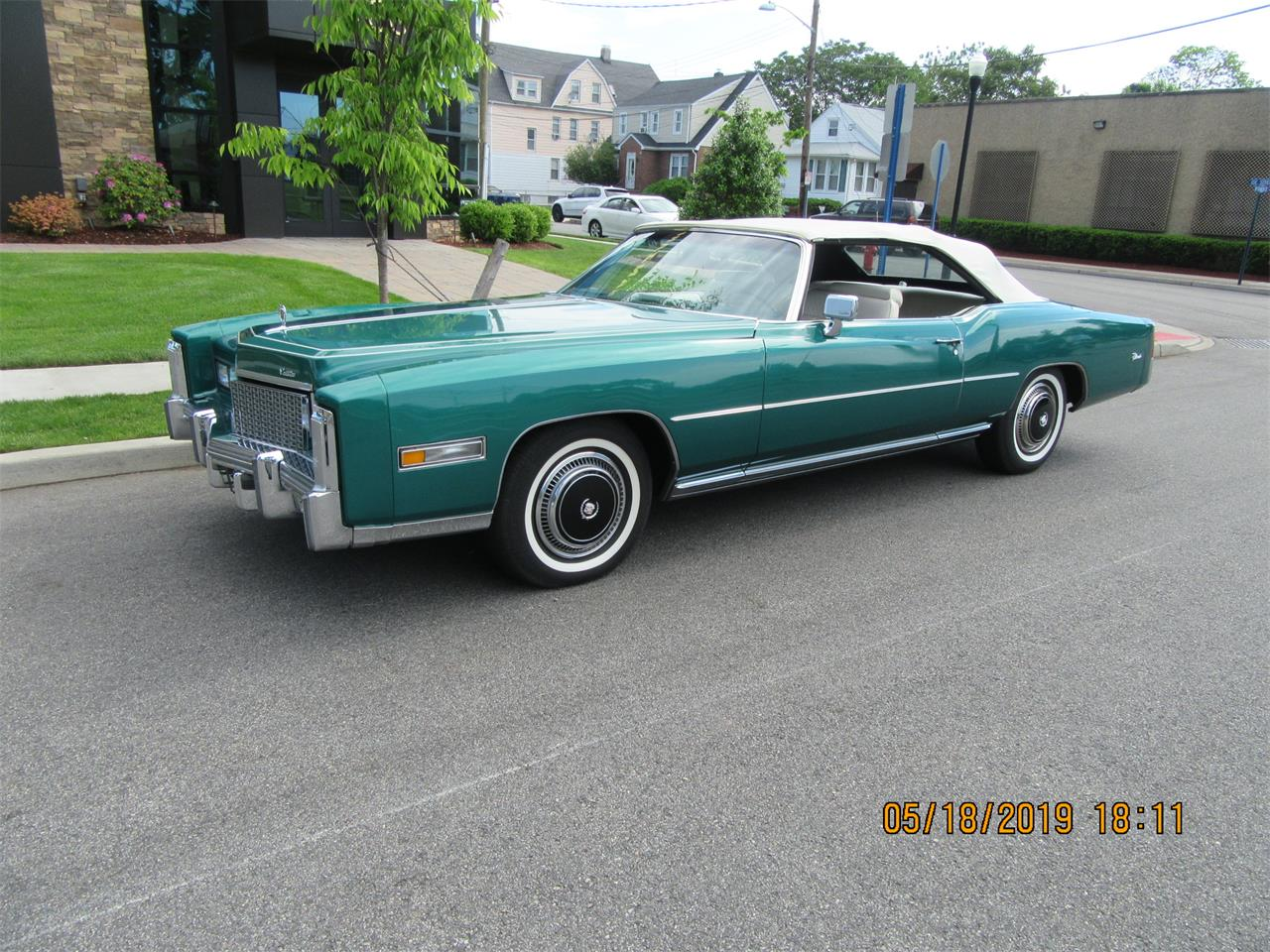 Large Picture of '76 Cadillac Eldorado - Q5G8