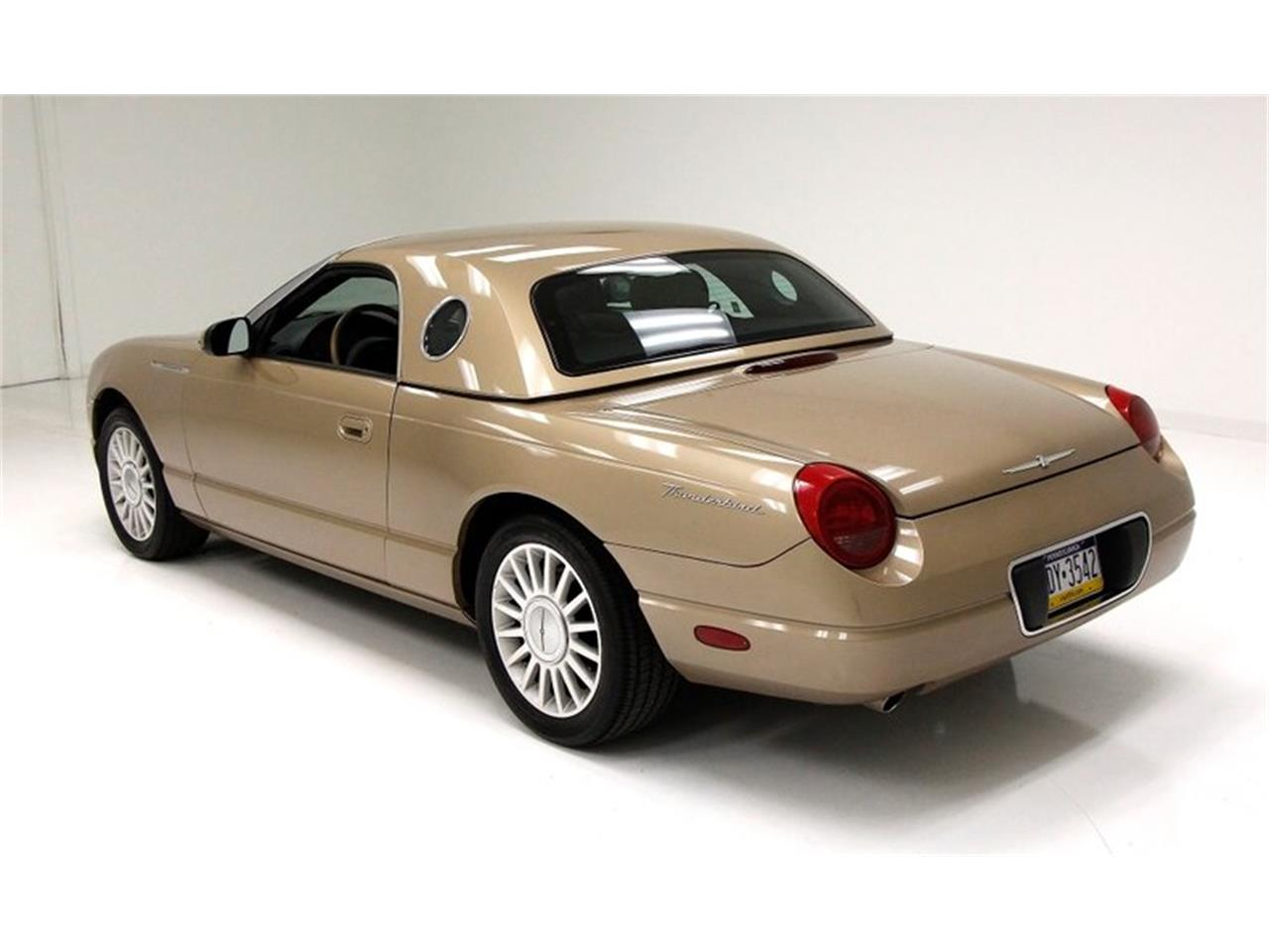 Large Picture of 2005 Ford Thunderbird located in Morgantown Pennsylvania - $16,500.00 - Q6CY