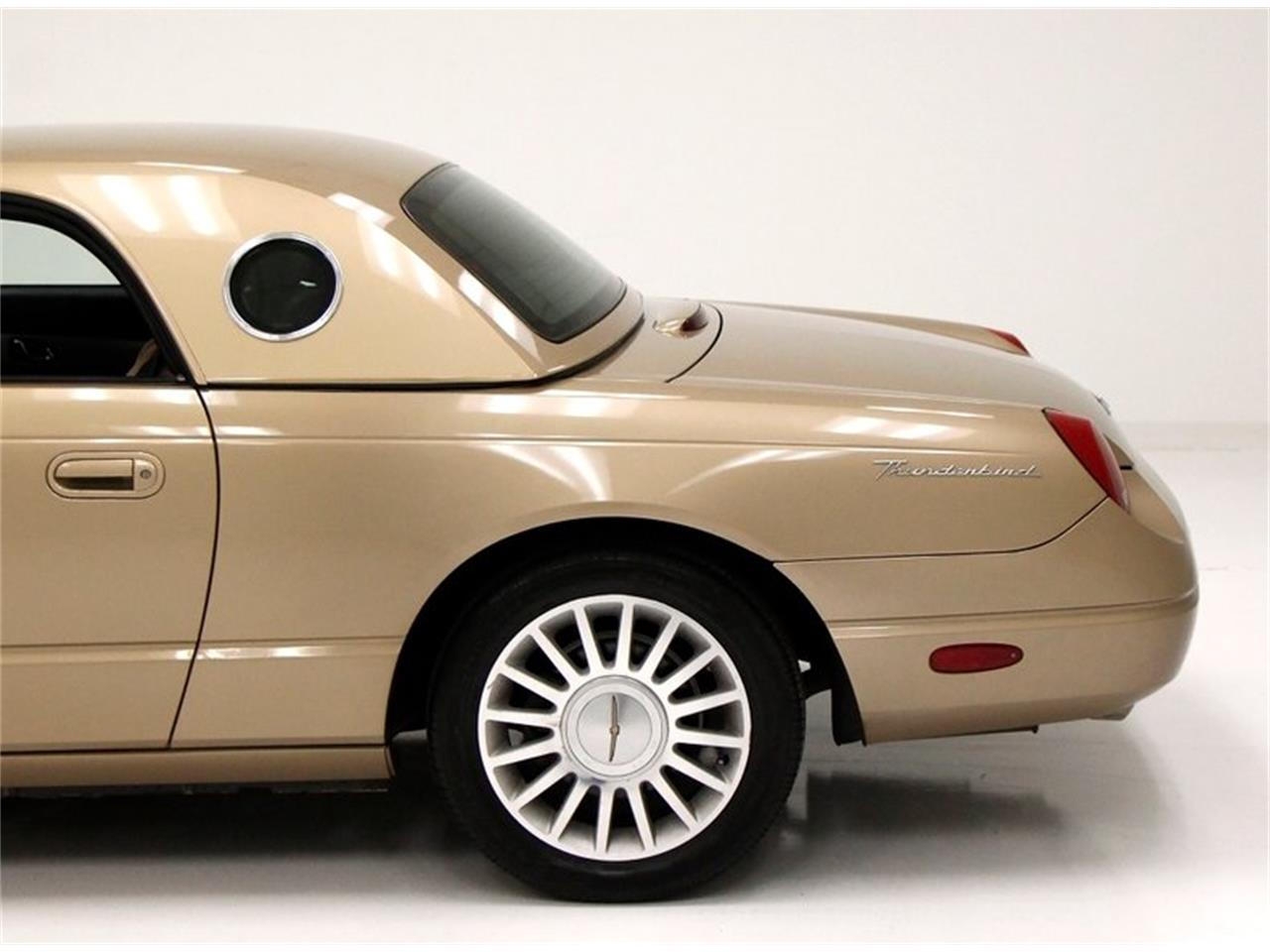 Large Picture of 2005 Thunderbird Offered by Classic Auto Mall - Q6CY